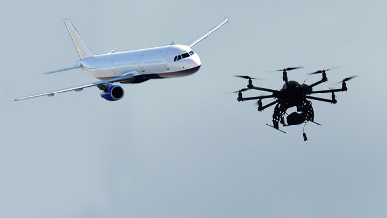 İstanbul'da Yolcu Uçağının 30 Metre Üzerinden Drone Geçti