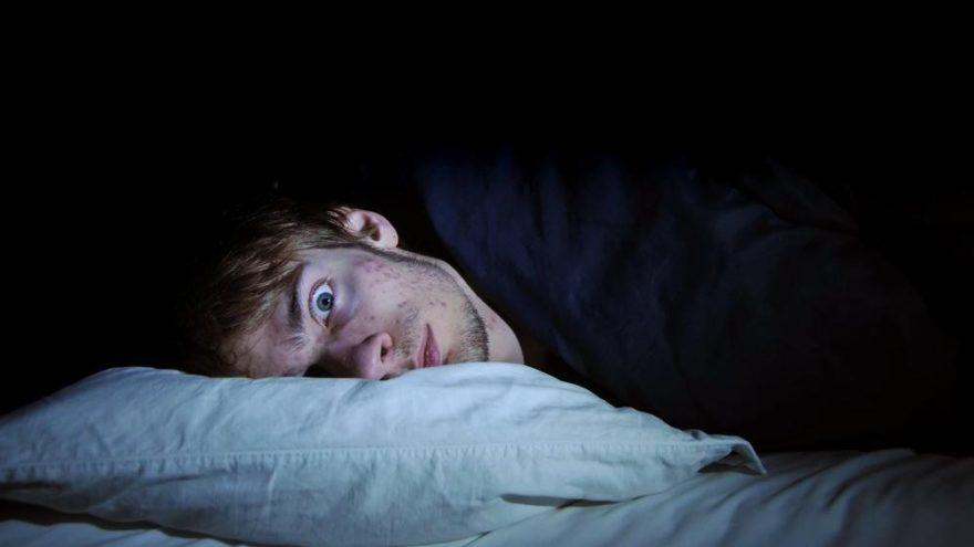 Deliksiz Bir Uyku İçin Uyumadan Önce Asla Yememeniz Gereken Yiyecekler