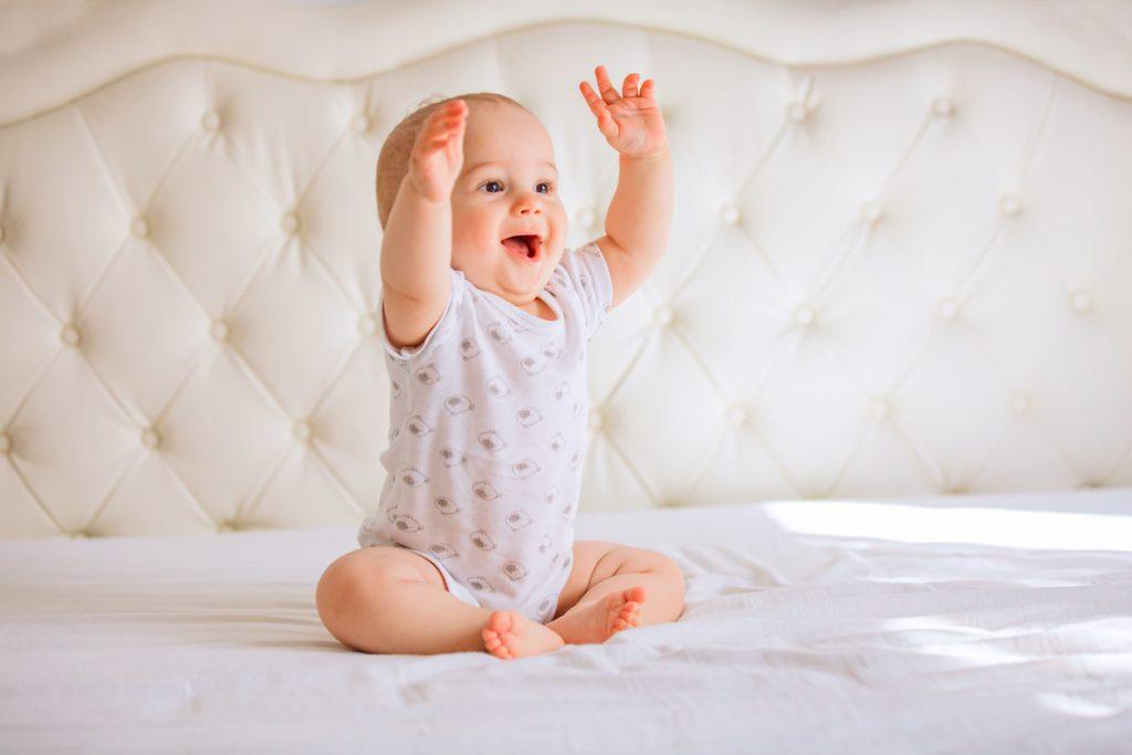 8 Aylık Bebeklerin Gelişimi
